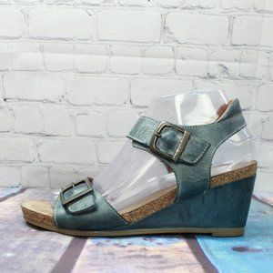 TAOS Leather Wedge Ankle Strap Sandals Size 7
